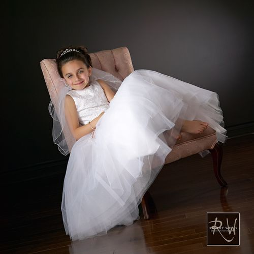 Female-studio-first-ho;y-communion
