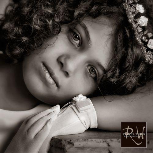 Female-first-holy-communion-portrait-robert-wells