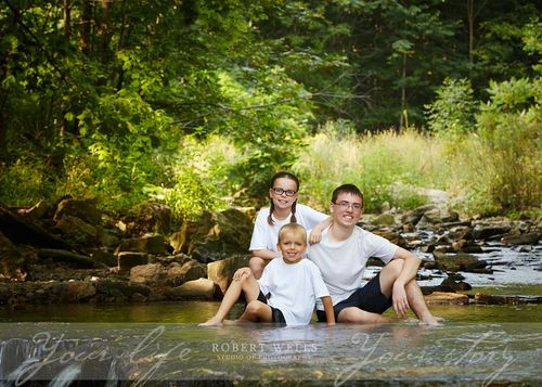 Outdoor-childrens-portrait-Robert-Wells
